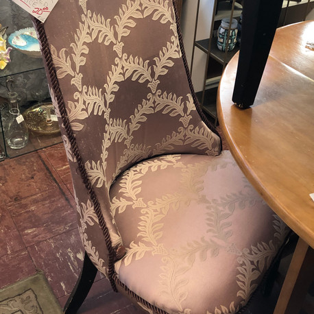 Boudoir Chair - vendor #25 - $20