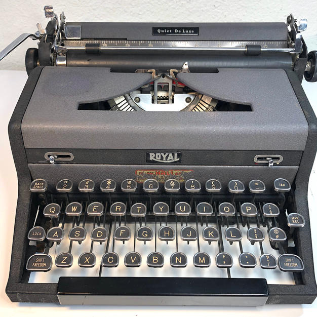 1948 Royal Quiet De Luxe - $110