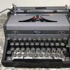 1949 Royal Quiet De Luxe - $110