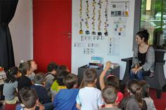 """Echange autour du """"métier du livre"""" avec une classe de CP. Bibliothèque Les Pirogues de Ste Anne sur Brivet (44)"""