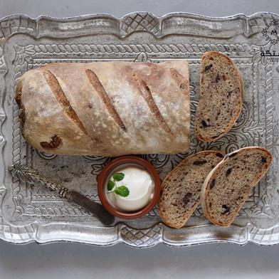 خبز بالزيتون - طريقة العجينة البايته