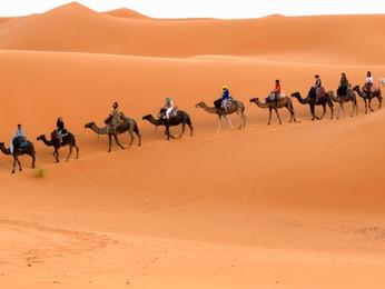 La inolvidable experiencia de pasar la noche en el Desierto de Merzouga en Marruecos