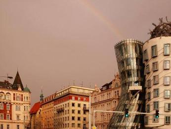 Foto: Casa Danzante con el arco iris, Praga - República Checa.