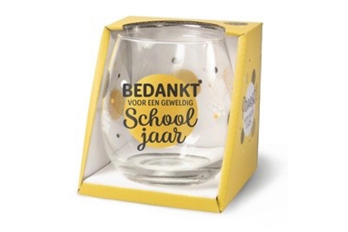 """Glas """"Bedankt voor een geweldig schooljaar"""" - De leukste gepersonaliseerde geschenken - Schoonheidssalon Saona Aalst"""