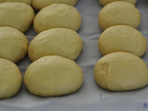 Sweet rolls rising
