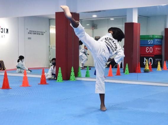Kickmatics Taekwondo Tween Girl Back Hook