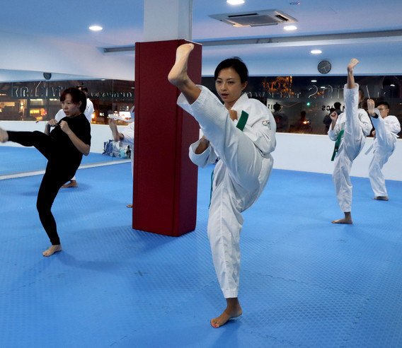 Kickmatics Taekwondo Adult Class Evening Training