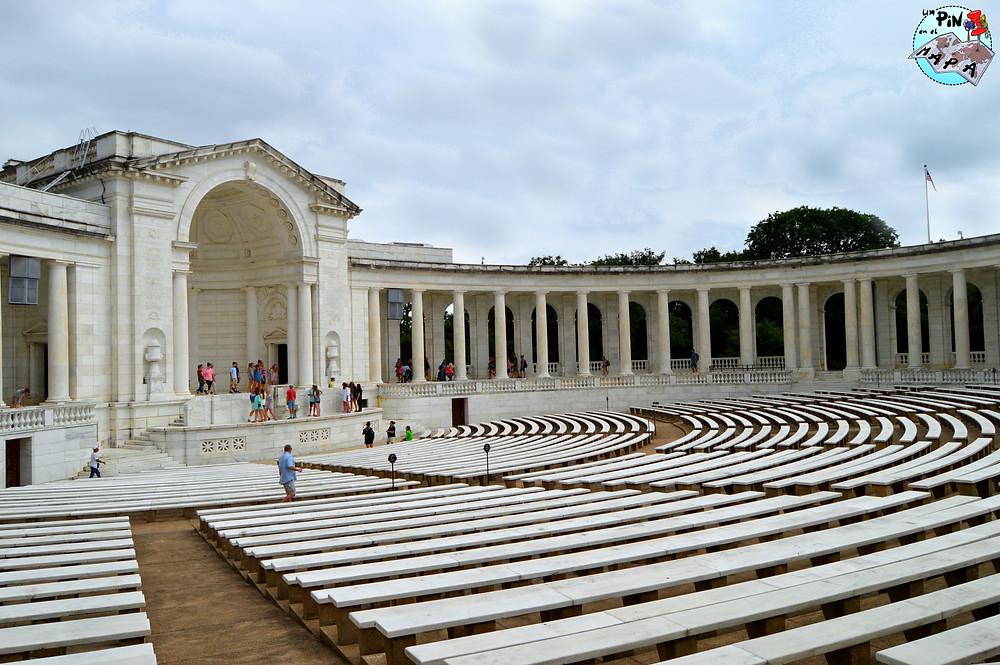 Memorial Anfiteatro Cementerio de Arlington | Un Pin en el Mapa