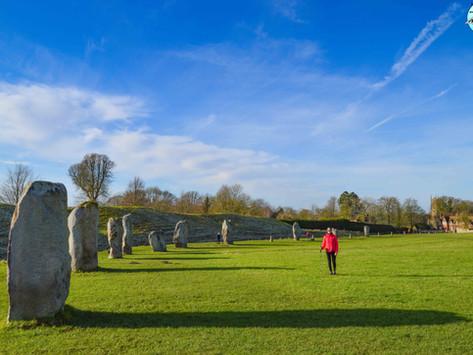 Recinto arqueológico de Avebury: que ver y ruta de senderismo