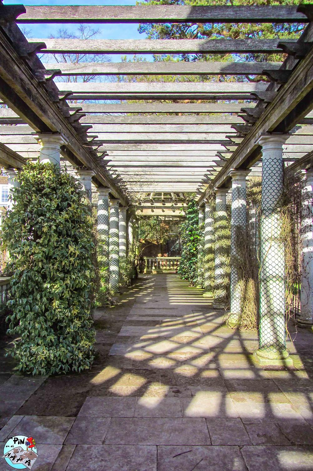The Hill Garden and Pergola, Hampstead | Un Pin en el Mapa
