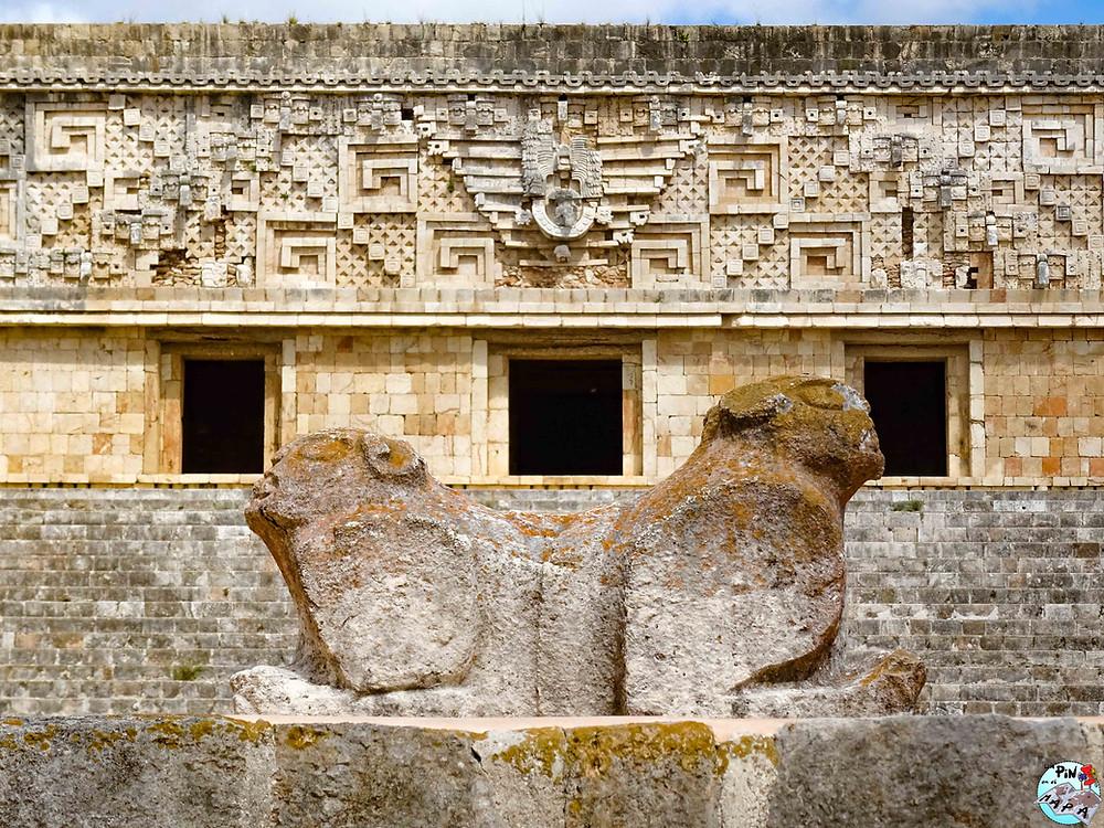 Trono del jaguar bicéfalo, Uxmal | Un Pin en el Mapa