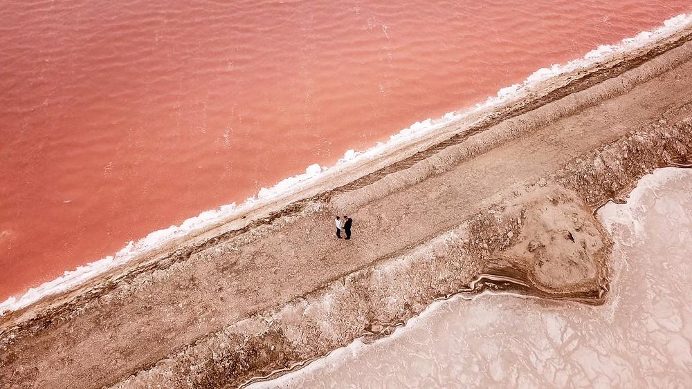 Lago rosa de Walvis Bay, Namibia | Guarida de Secretos