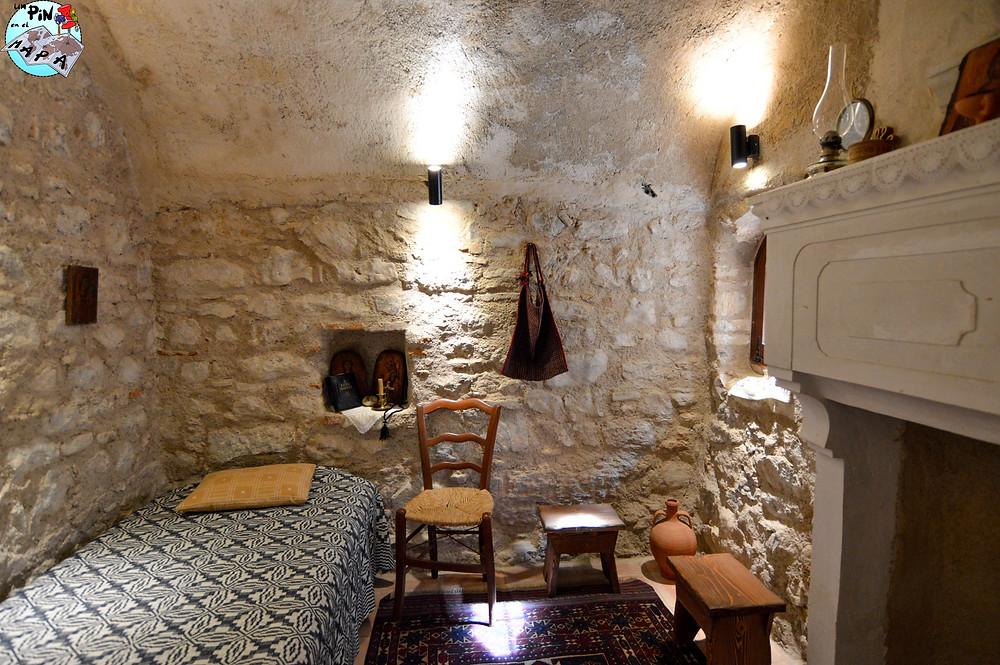 Dormitorios en el Monasterio de Hosios Loukas | Un Pin en el Mapa