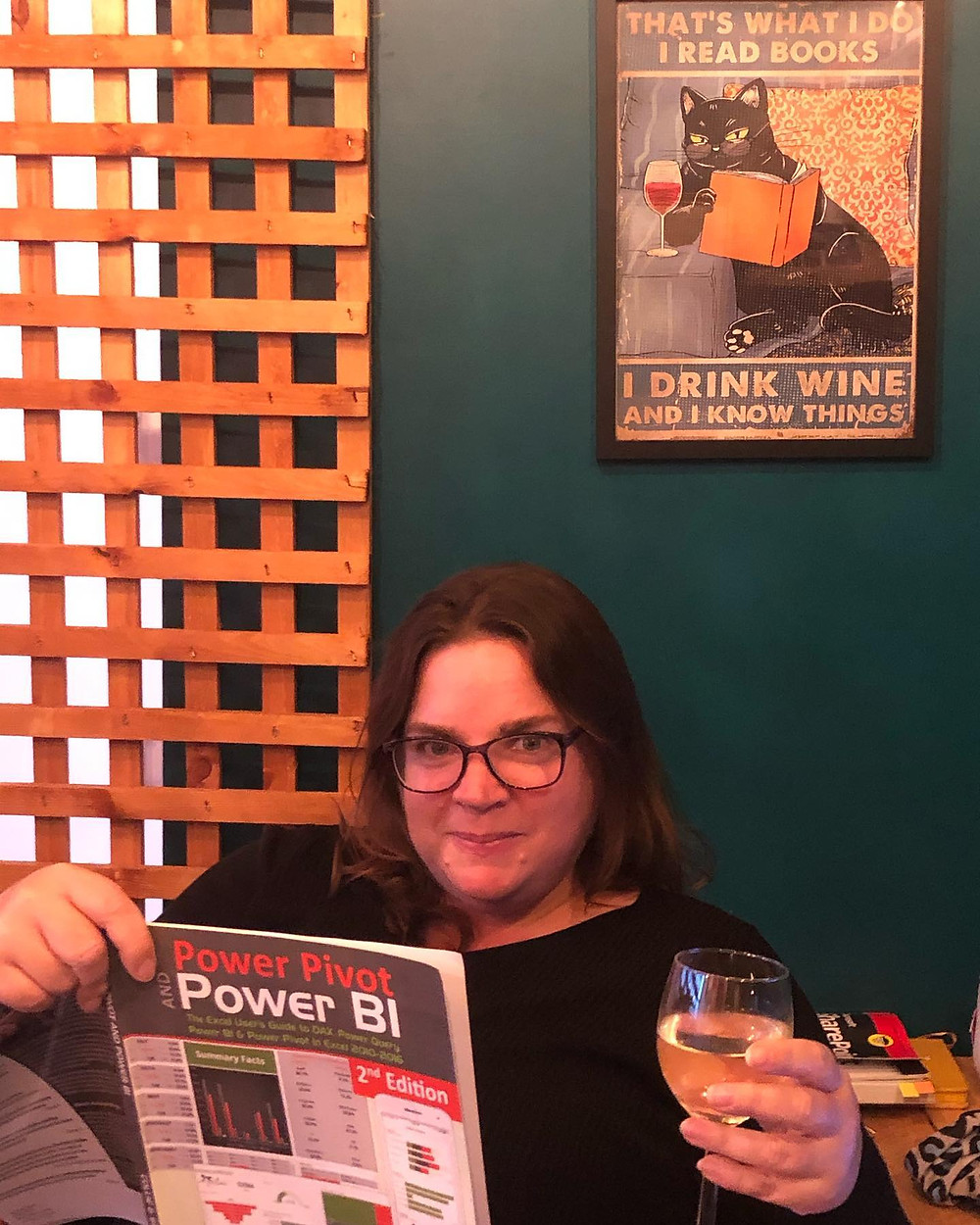 Learning Power BI with the help of a glass of wine