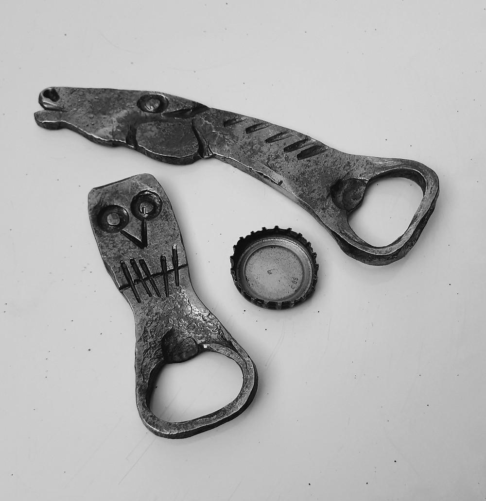Ouvre-bouteille en forme de tête de cheval et tête de mort forger à la main