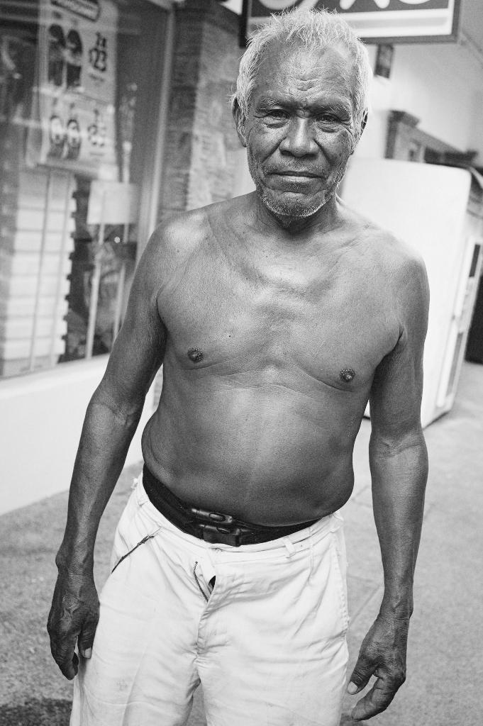 Esteban, Muelle Worker