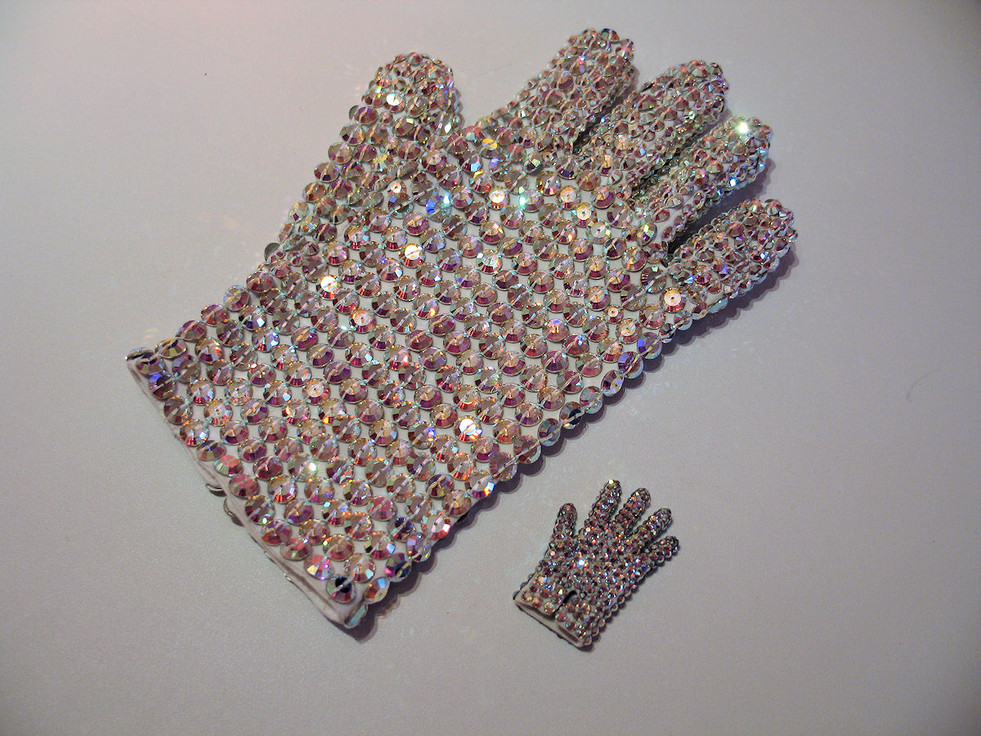 History Tour & Mini Glove