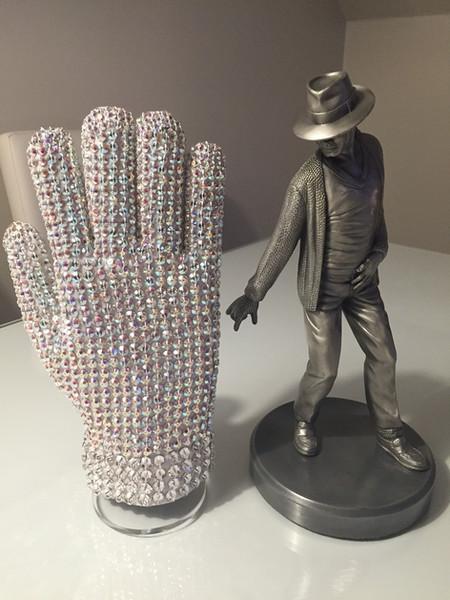 Customer Photo of my Glove and Stand