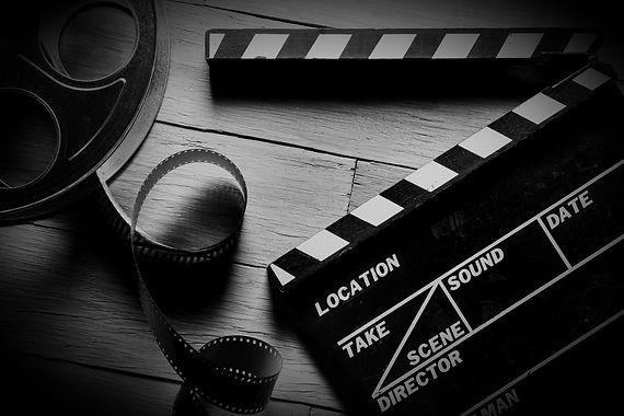 Movie%2520clapper%2520and%2520film%2520r