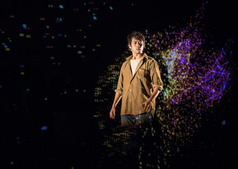 表演者魏雋展:在科技裡挖掘古老的好玩