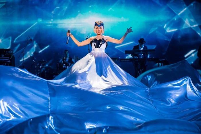 Костюмы для концерта Полины Гагариной в Крокус Сити Холл