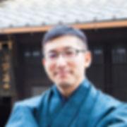 四角  専務.jpg
