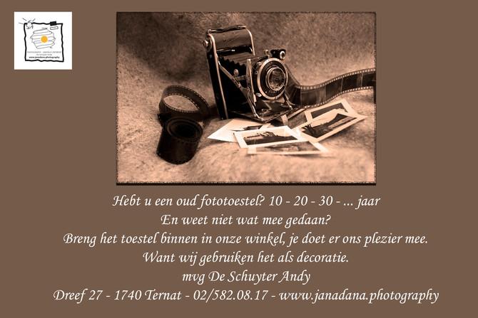 Breng je oud fototoestel binnen in de winkel. Wij gebruiken het als decoratie.