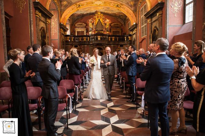 Enkele sfeerbeelden van de huwelijks fotoshoot van Dieter en Julie in Praag
