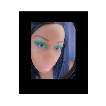 'Trippy Alien Gal' Fantasy Makeup Look