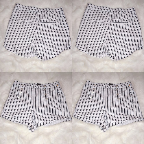 'Almost Famous' Size-14 Navy Striped White Buttoned Shorts