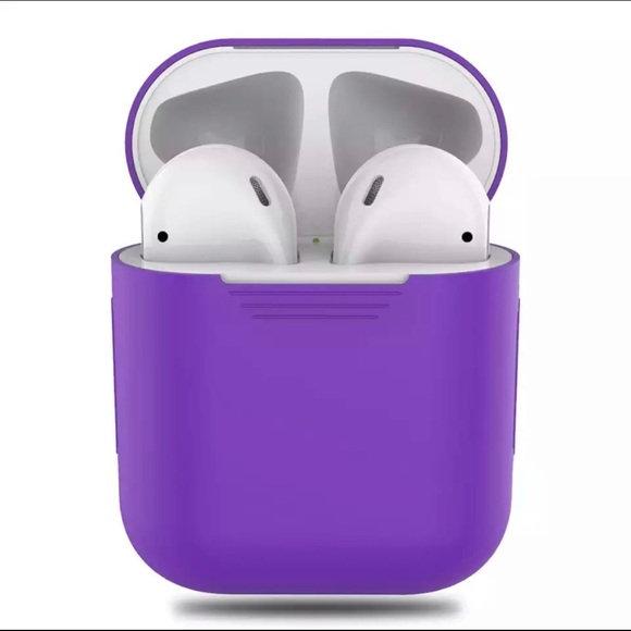 Чехол для наушников Apple AirPods Silicone Case purple