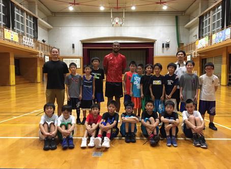 Little Five's team basketball clinic