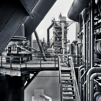 Iron, steel and the valve requirements for these two metals can be split into two distinct processes: ironmaking and pneumatic steelmaking. Regardless of the process, our valves are well-suited for each.