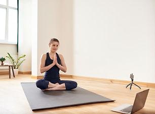 AD Online yoga.jpg
