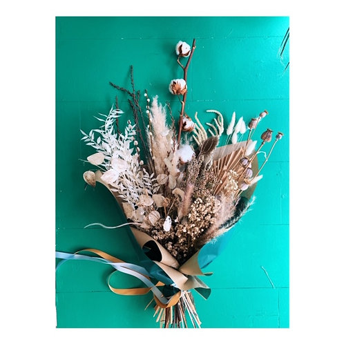 large dried flowers natural