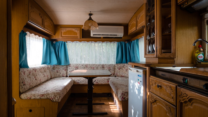 Caravans_sml_9.jpg