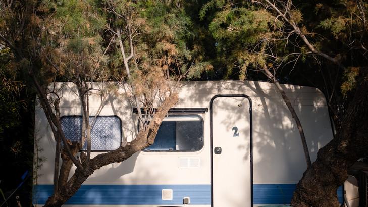 Caravans_sml_31.jpg