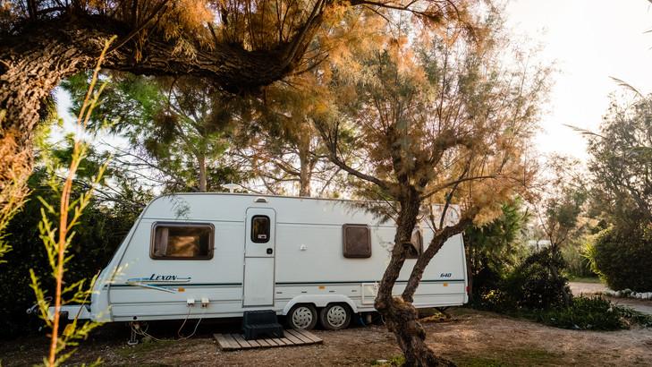 Caravans_sml_21.jpg