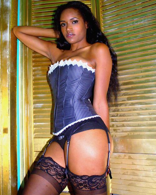 corset low.jpg