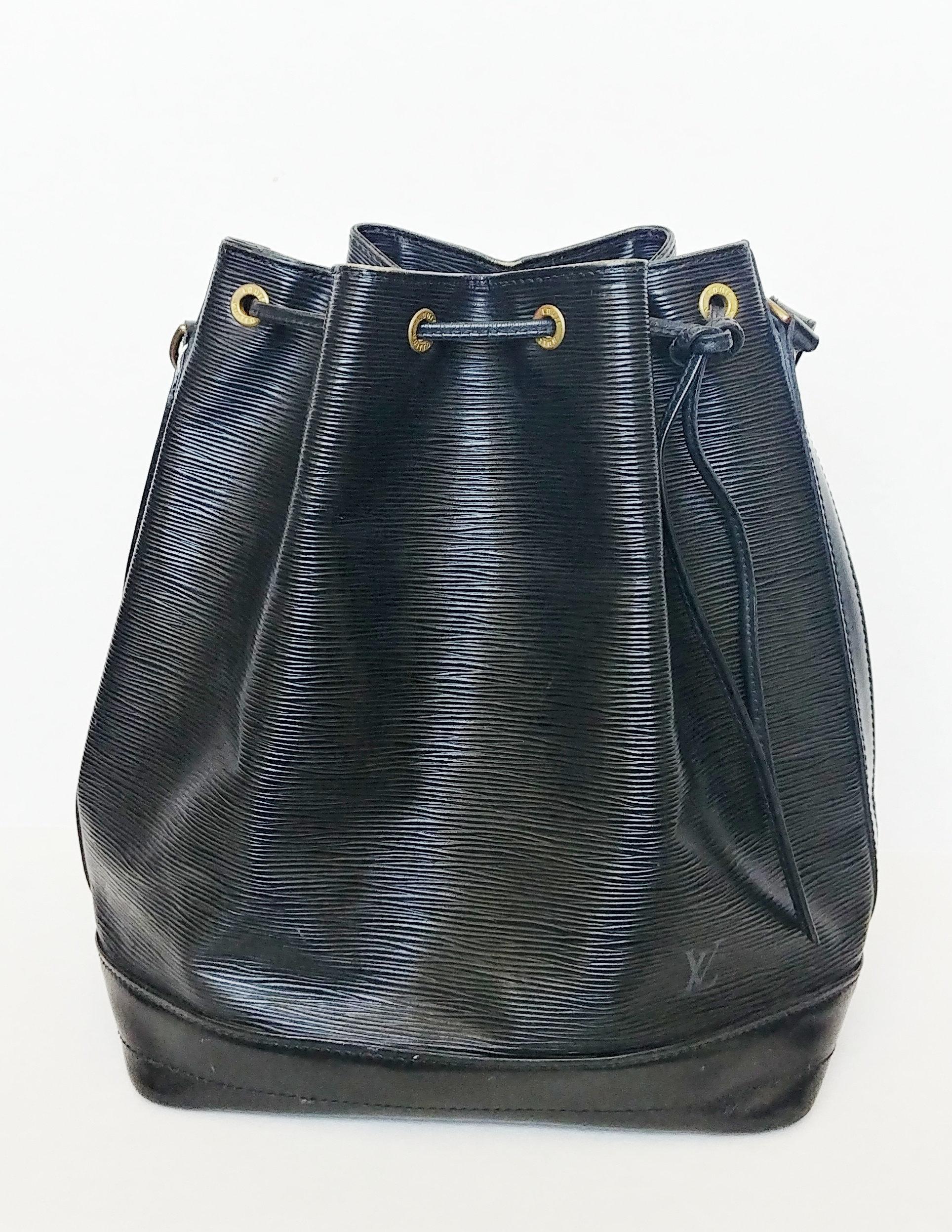 0e64a80647b Louis Vuitton Epi Leather Noe Black | hazelilly