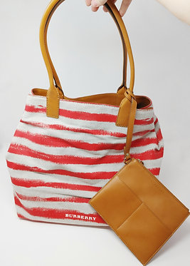 Burberry Lauriston Tote with Pouch