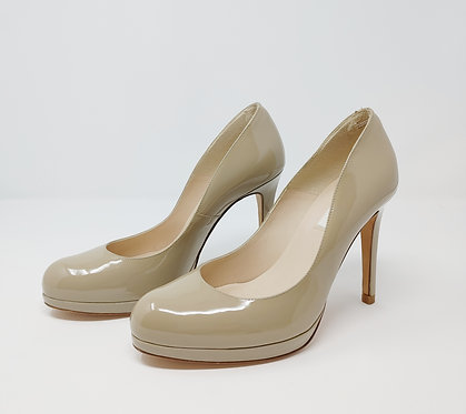 L.K. Bennett Putty Patent Court Shoe 39 1/2