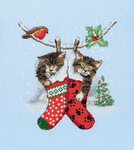 PCE0504 Gatitos de Navidad - Anchor - Kit de punto de cruz