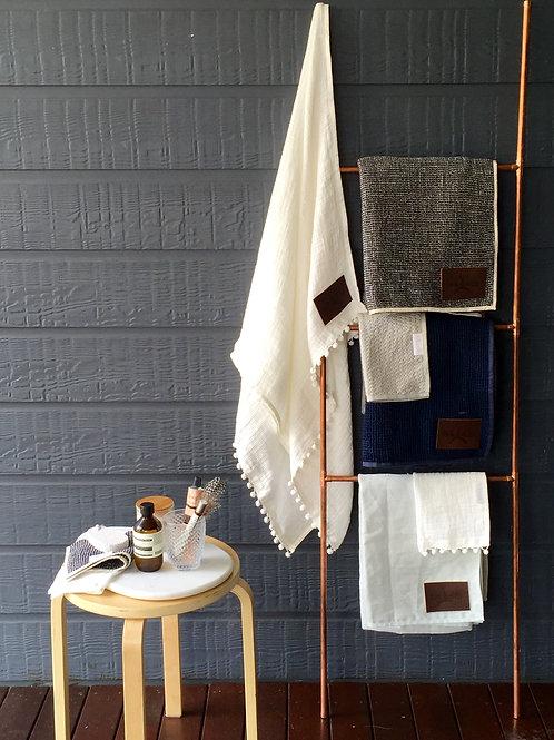 BOUCLE FACE towel x 2