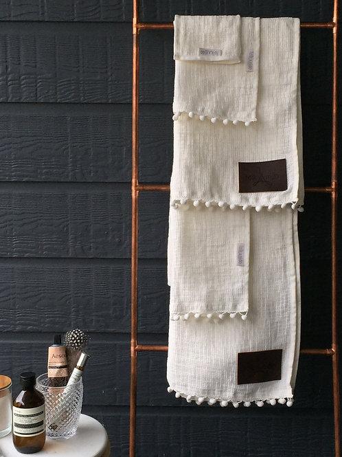 BOUCLE HAND towel