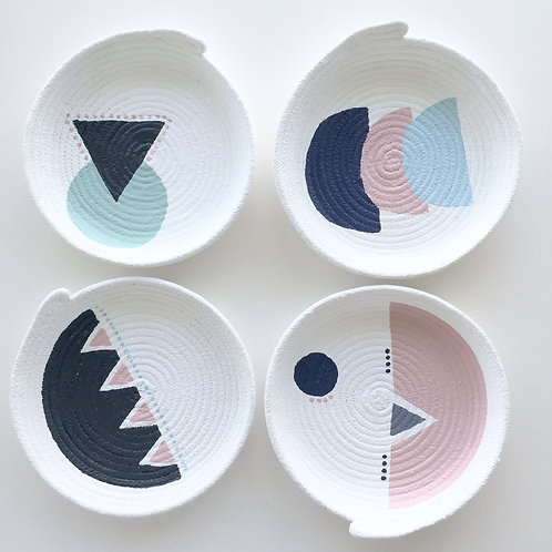 Designs by Winston. Small Rope bowl SET OF 4