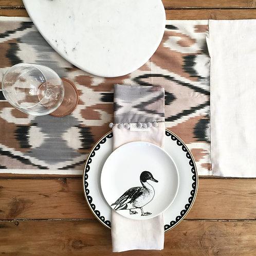 GREY ROSE table runner + napkins