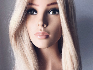 A MUST HAVEfor hairstyling and makeup professionals • The new Mannequin Doll -   Ally