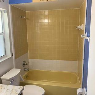Tub & Tile Before