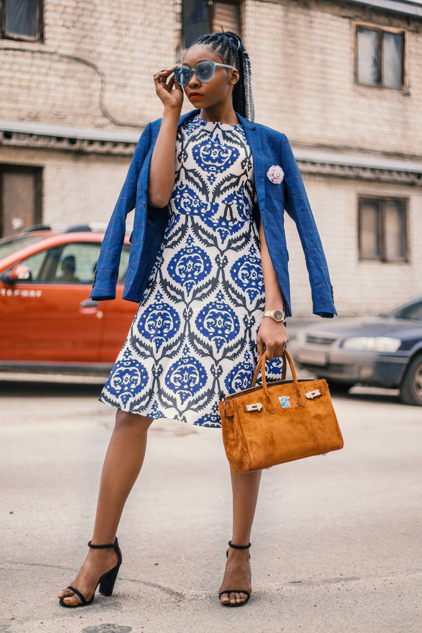woman-wearing-white-and-blue-floral-dres